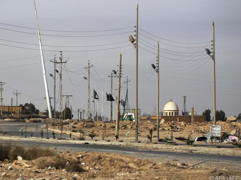 IS-Hochburg Albu Kamal wurde zurückerobert