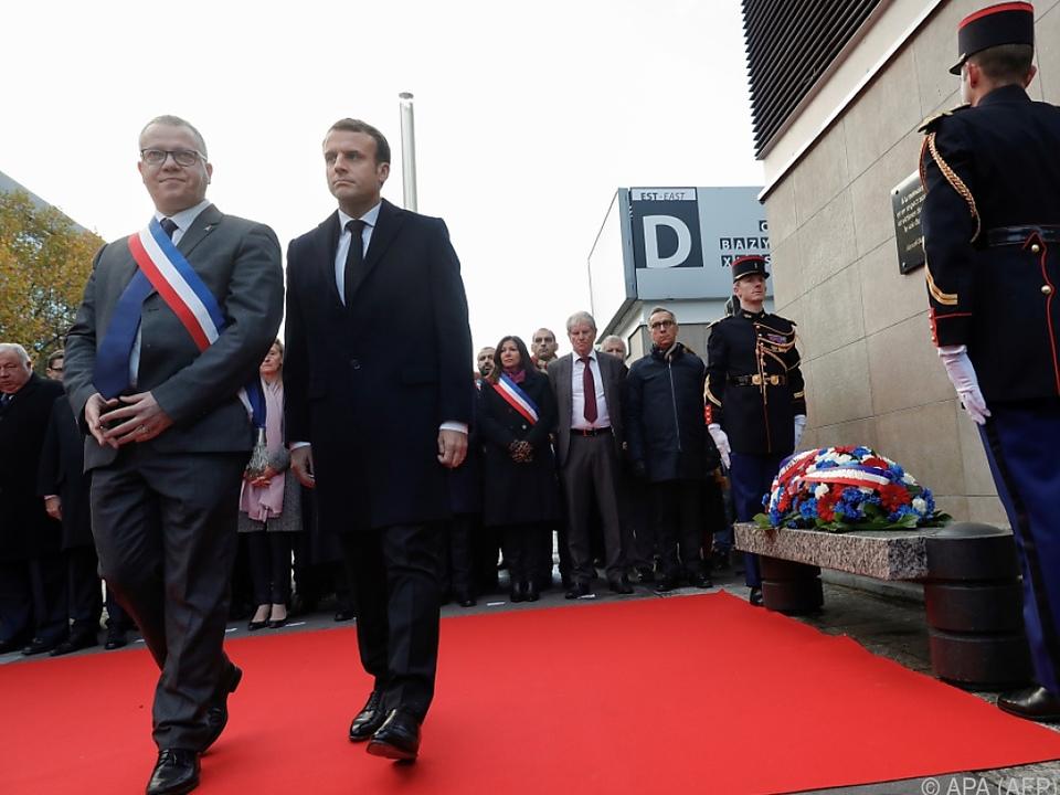 Macron legte einen Kranz nieder