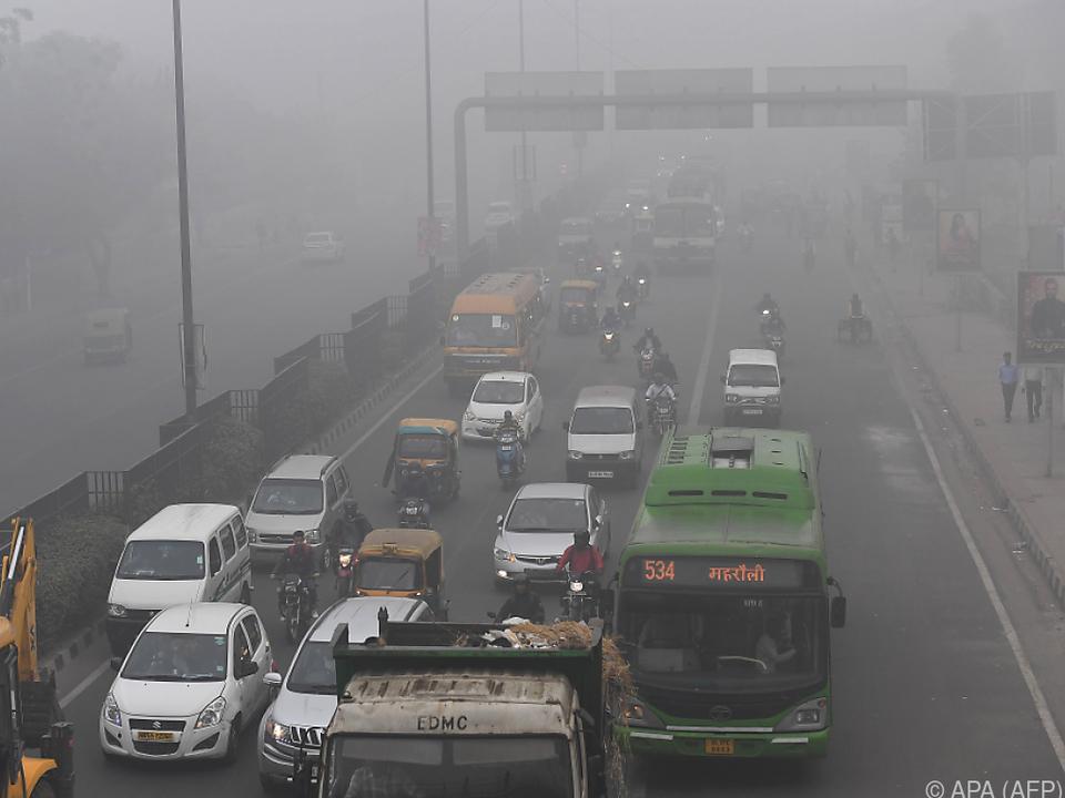 Neu Delhi liegt unter einer dicken Smogwolke