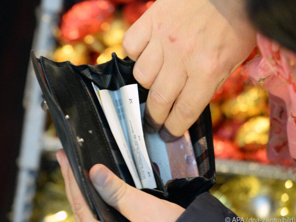 Österreicher hatten 2016 durchschnittlich 89 Euro Bargeld bei sich