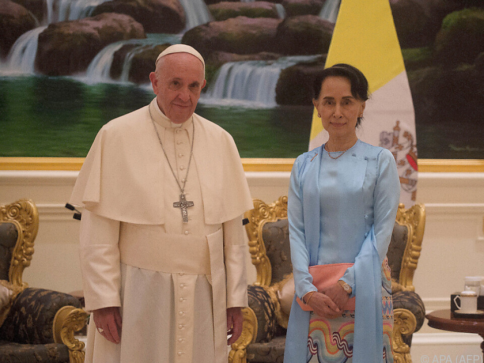 Papst sprach mit Aung San Suu Kyi