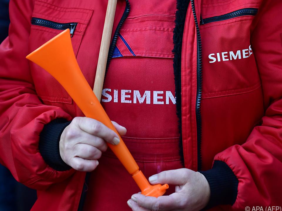 Proteste gegen die Sparmaßnahmen bei Siemens