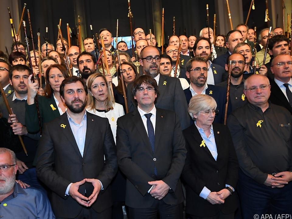 Puigdemont beim Treffen mit den Bürgermeistern