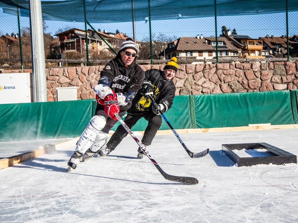 ramoser_roland_in_aktion_pond_hockey_2017