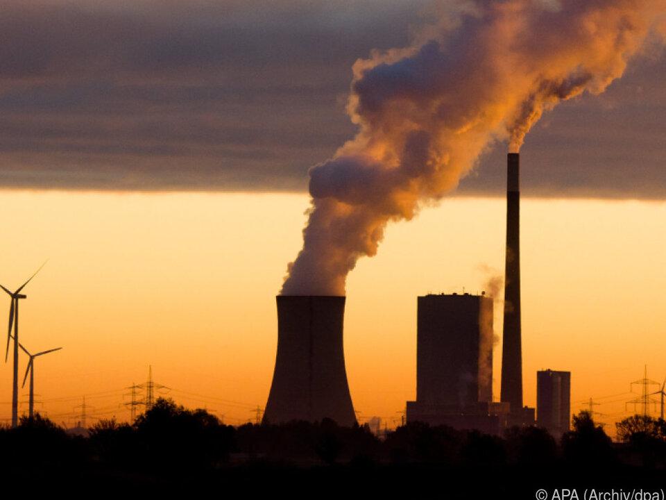 Schärfere Klimaziele für Fabriken und Kraftwerke