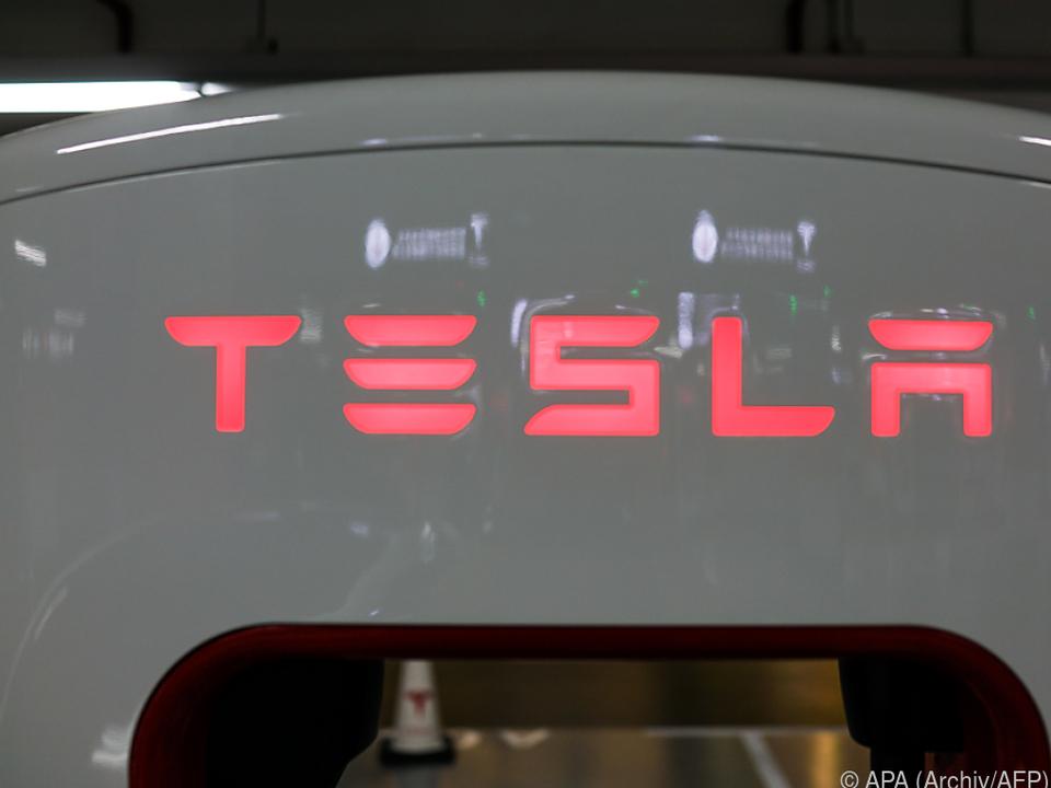 Tesla präsentiert Elektro-Lkw und Sportwagen
