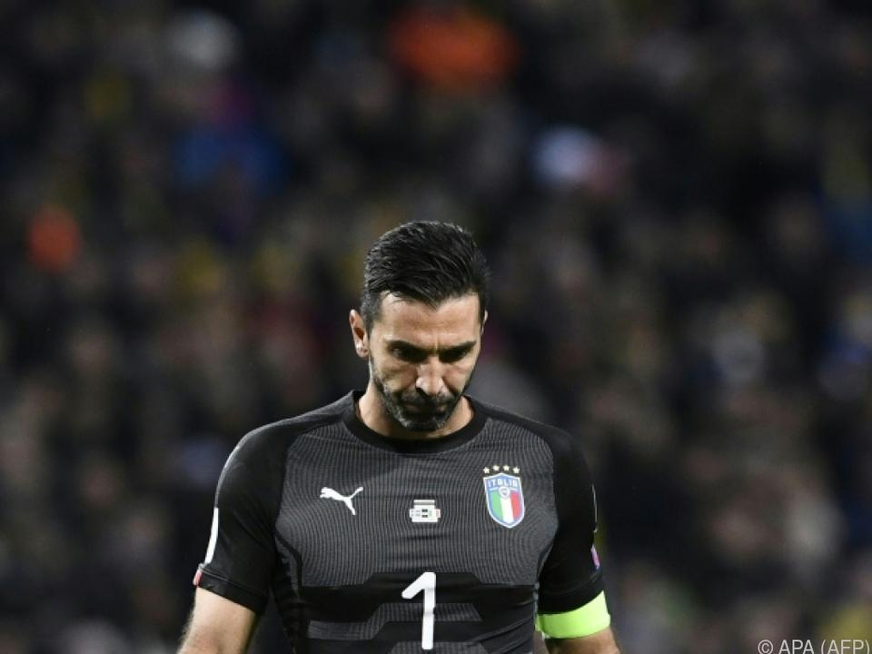 Tormann Buffon verließ das Stadion am Freitag sichtlich geknickt