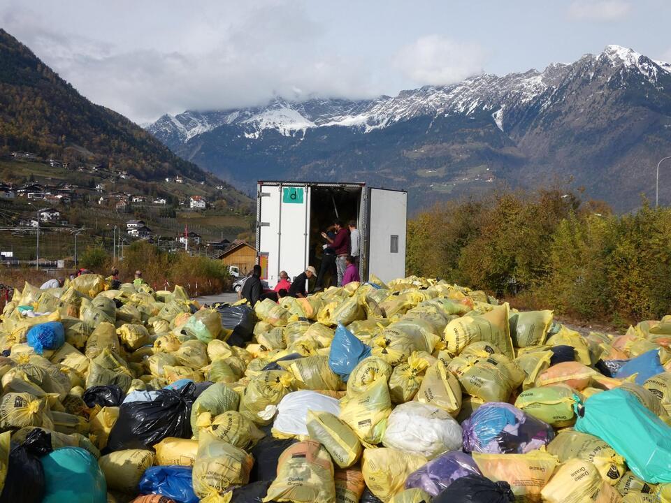 verladebahnhof_meran caritas kleidersammlung