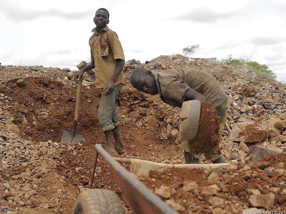 Vielerorts arbeiten Kinder in afrikanischen Minen