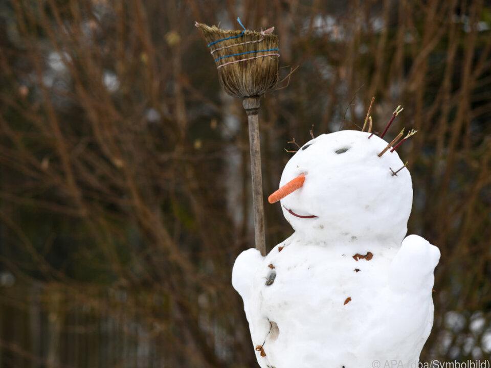 Vor dem Weihnachtsmann kommt der Schneemann