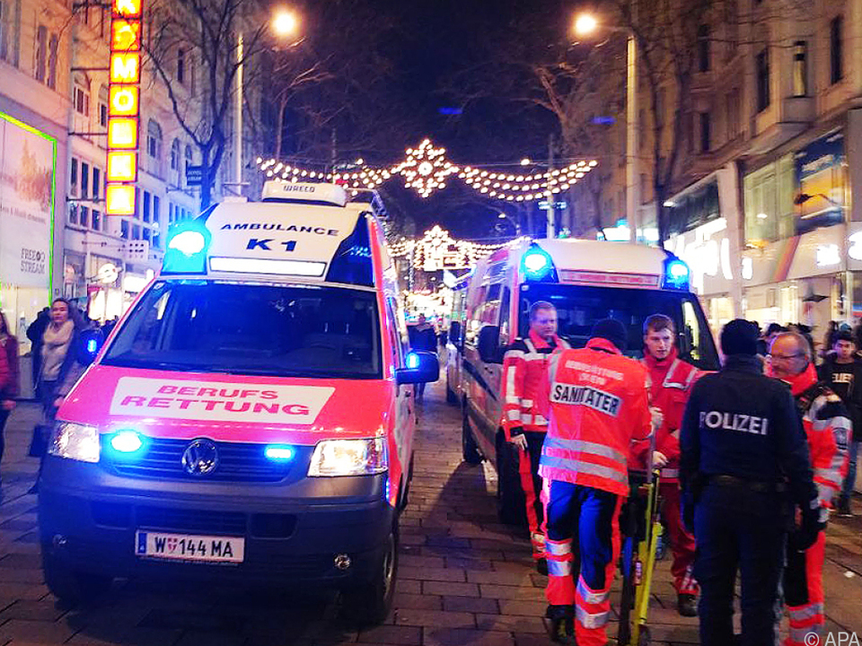 1.500 Jugendlichen gerieten laut Polizei in Panik