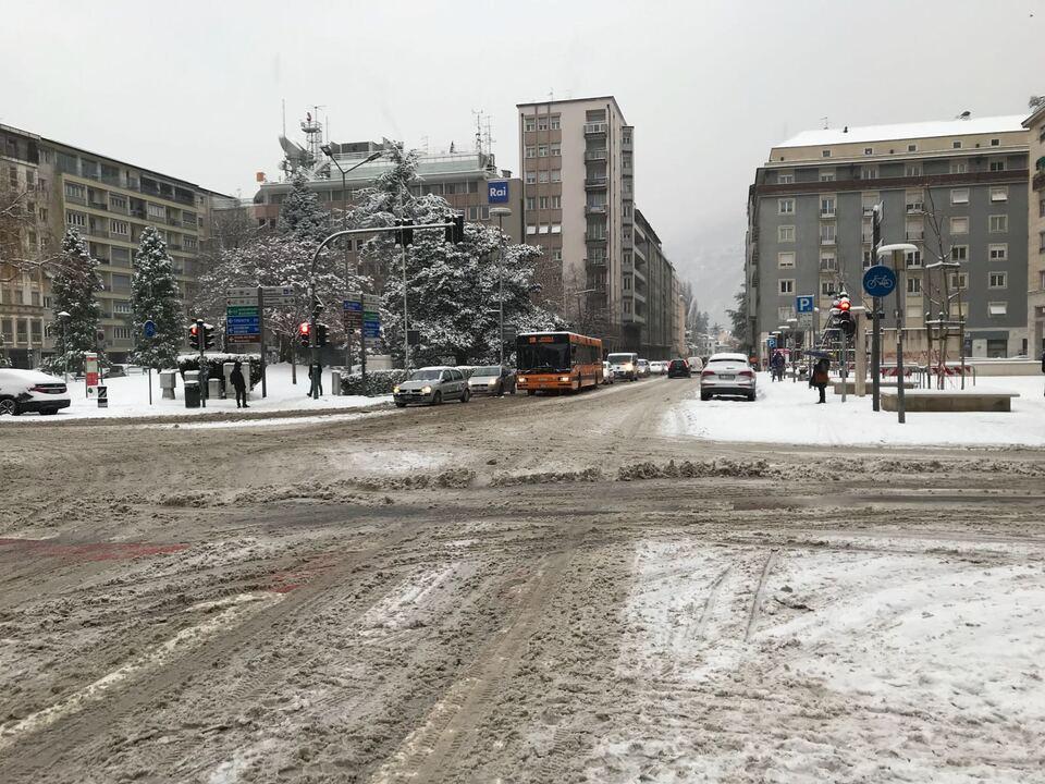 schneefall schnee bozen sym