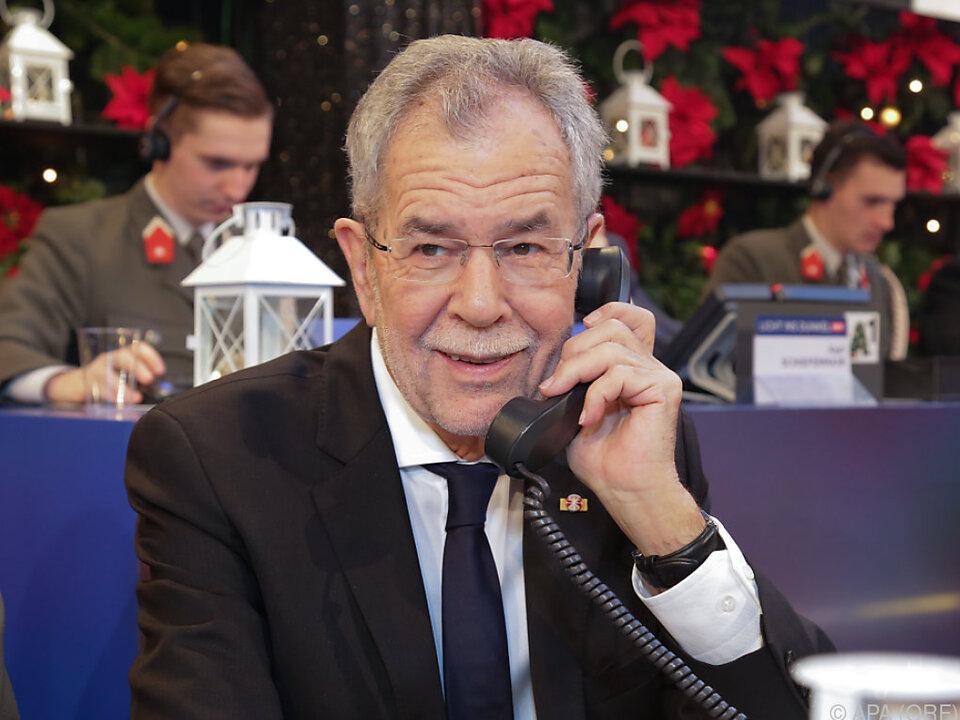 Auch Bundespräsident Van der Bellen saß am Spendentelefon