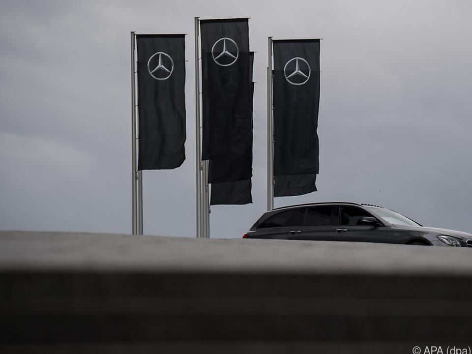 Daimler freut sich über die Steuersenkungen