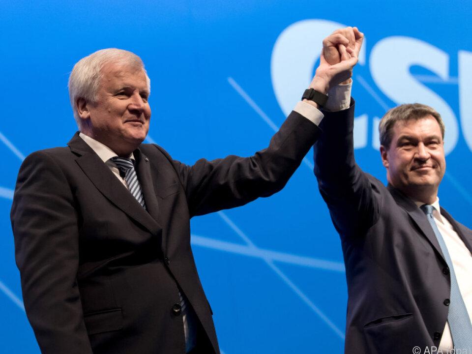 Demonstrativ einig: Seehofer und sein Nachfolger Söder