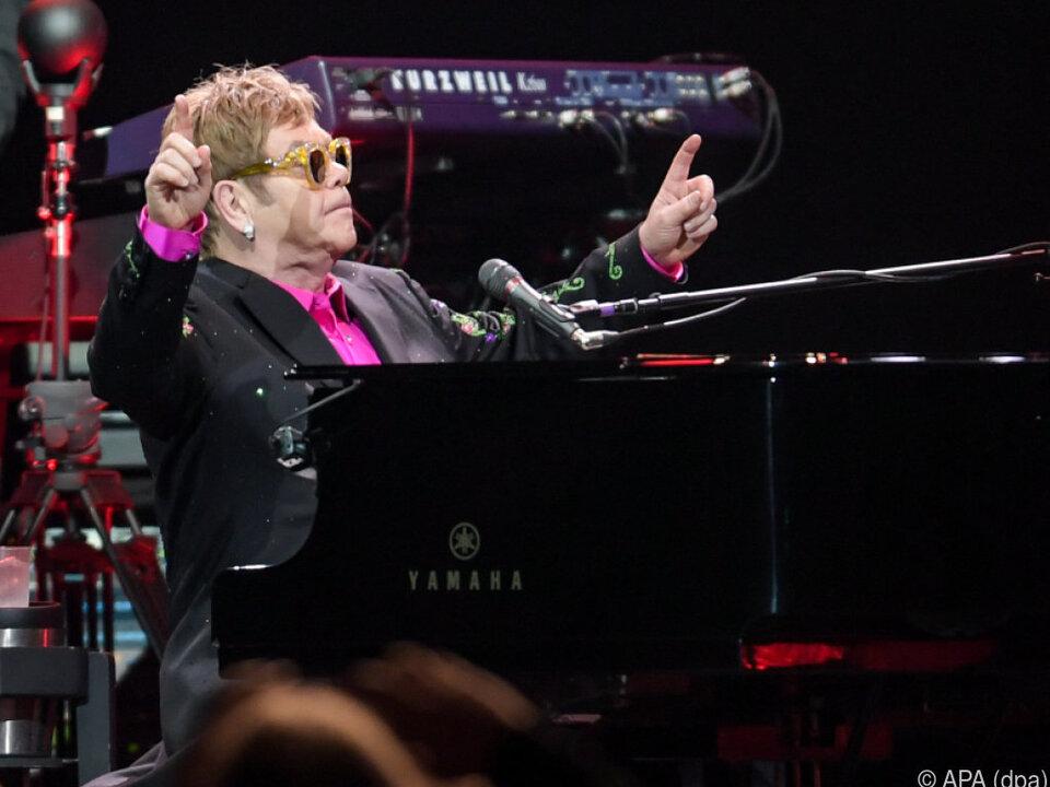 Der 70-jährige Elton John begeistert immer noch die Massen