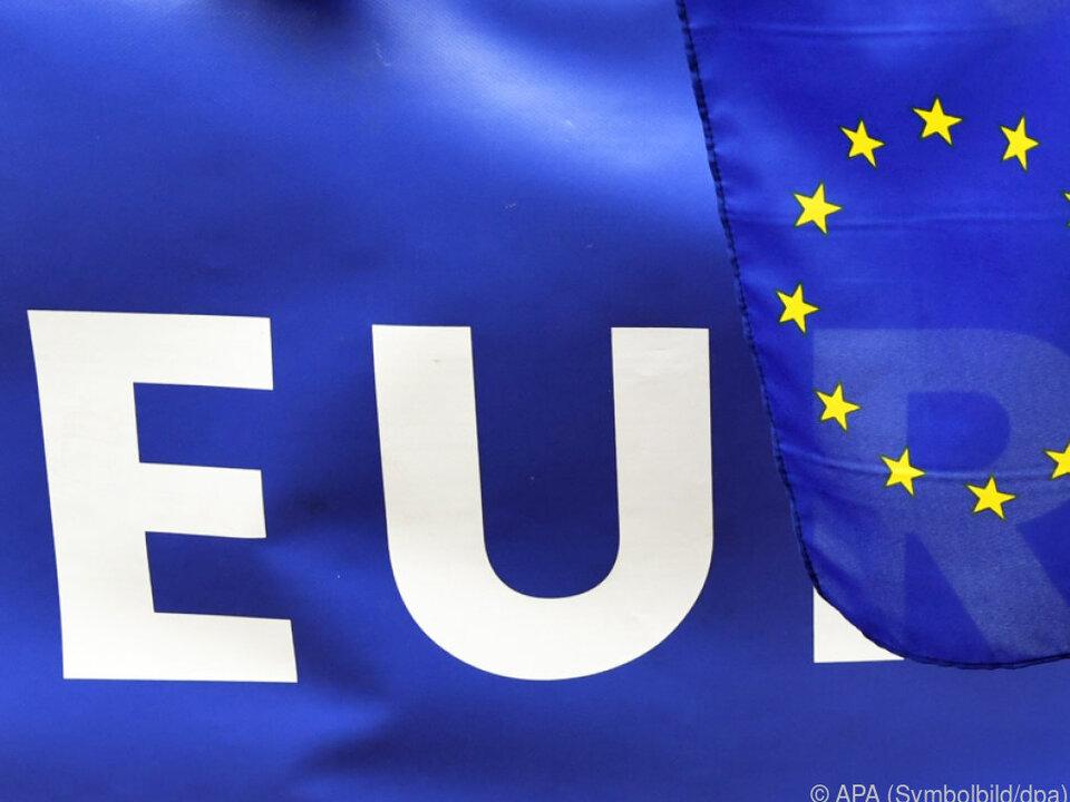 Der Schengenvertrag (1985) sah die Abschaffung der Grenzkontrollen vor