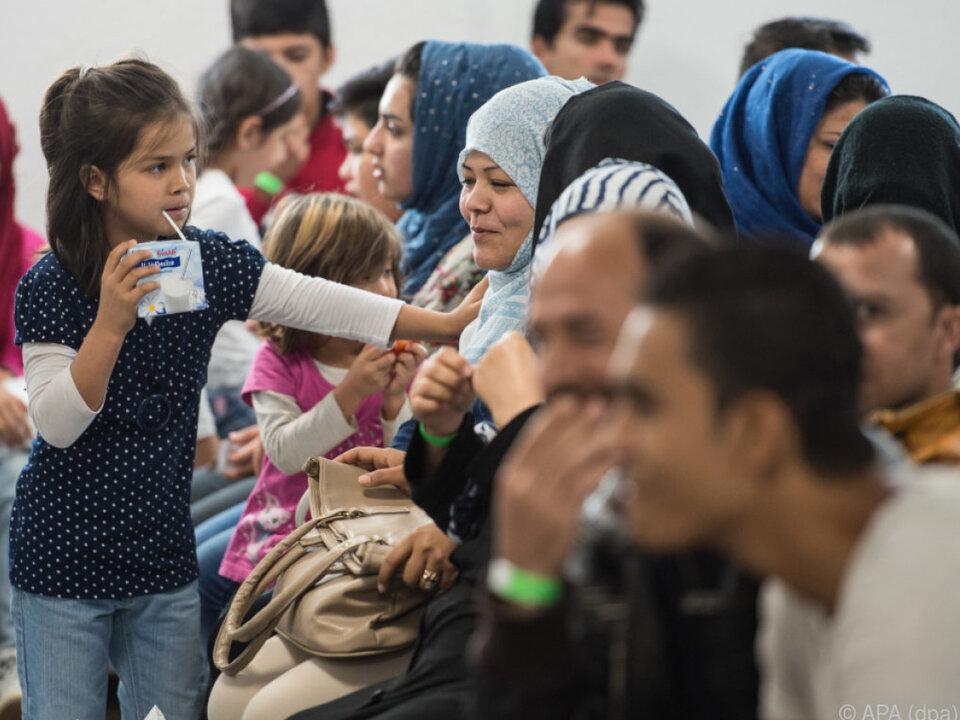 Deutlich weniger Asylanträge im abgelaufenen Jahr