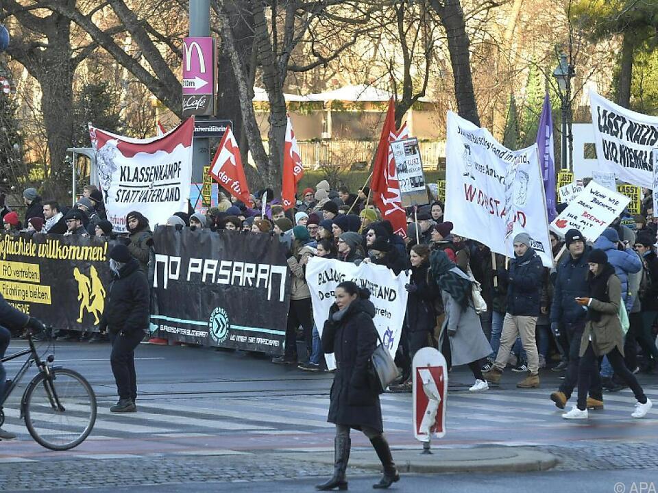 Die Demos sorgen für zahlreiche Straßensperren