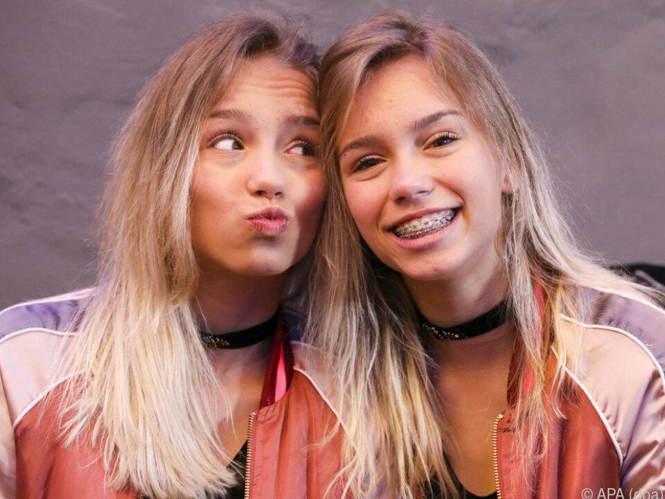 Die Zwillinge Lisa & Lena zum Sammeln und Zusammenkleben