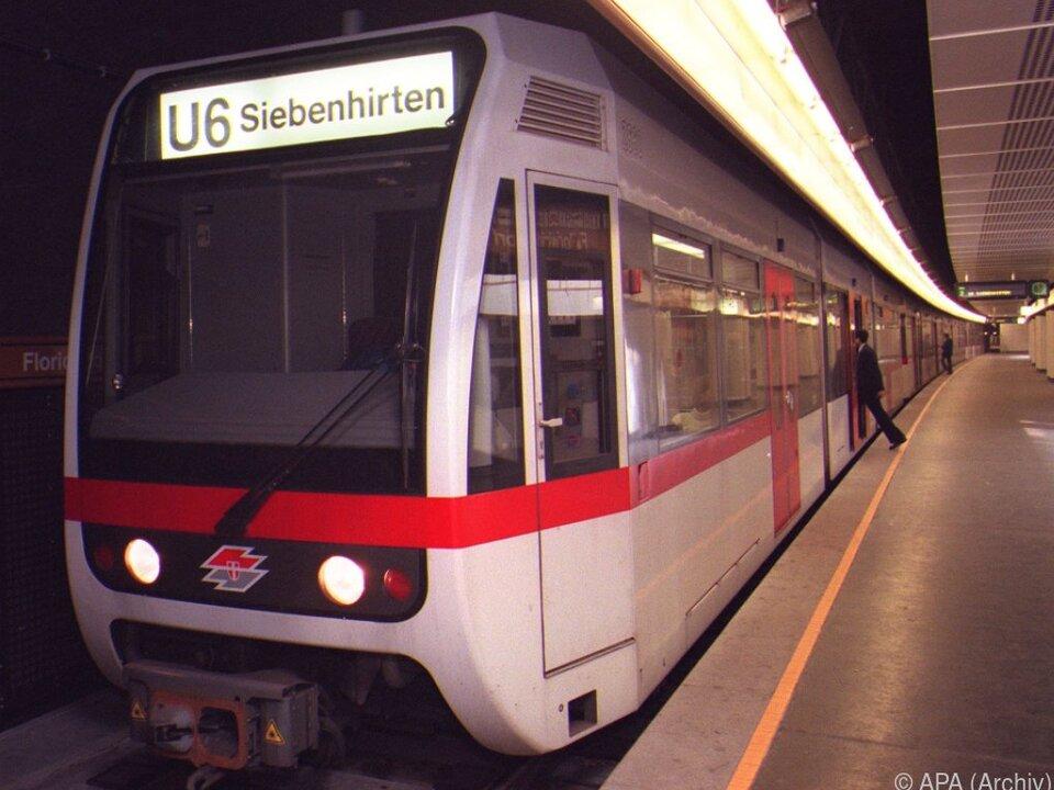 Ein Mann geriet unter die U-Bahn