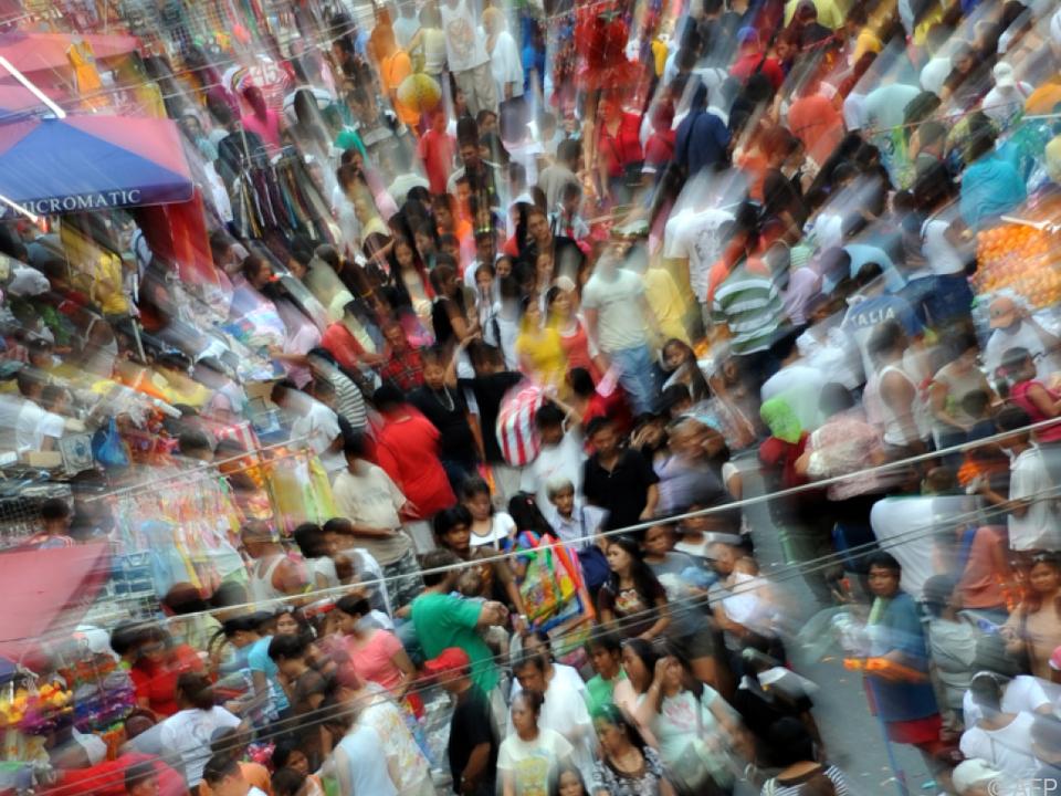 Weltbevölkerung zu Beginn des Jahres 2018: 7.591.541.000 Menschen - Deutsche Stiftung Weltbevölkerung