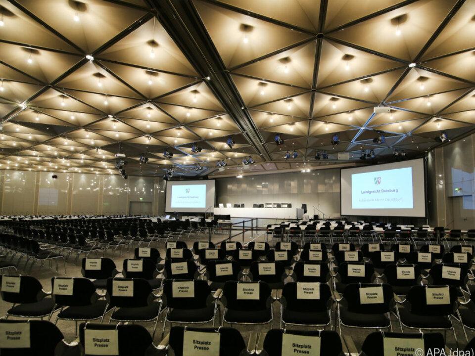 Gewaltiger Verhandlungssaal in Düsseldorf