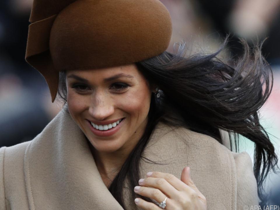 Harrys Verlobte zeigte Vorliebe für britische Hutmode