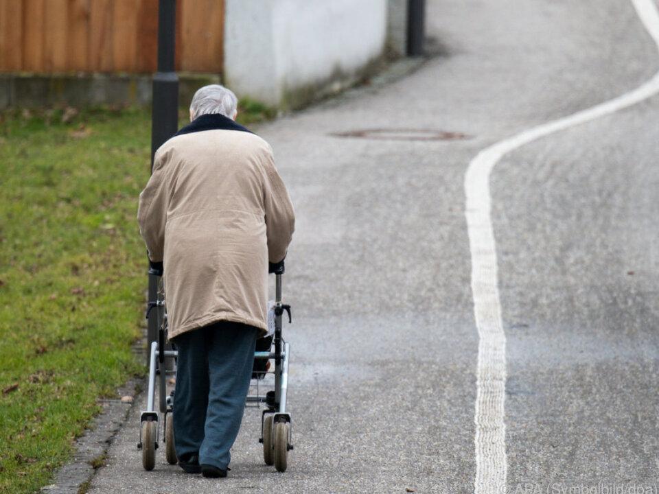 Insgesamt sind 5,6 Millionen von Altersarmut betroffen