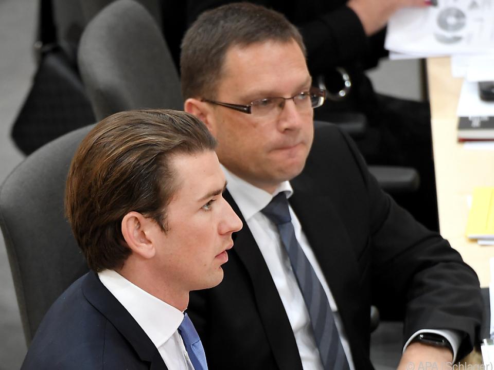 Kurz und Wöginger als Sitznachbarn im alten Parlament