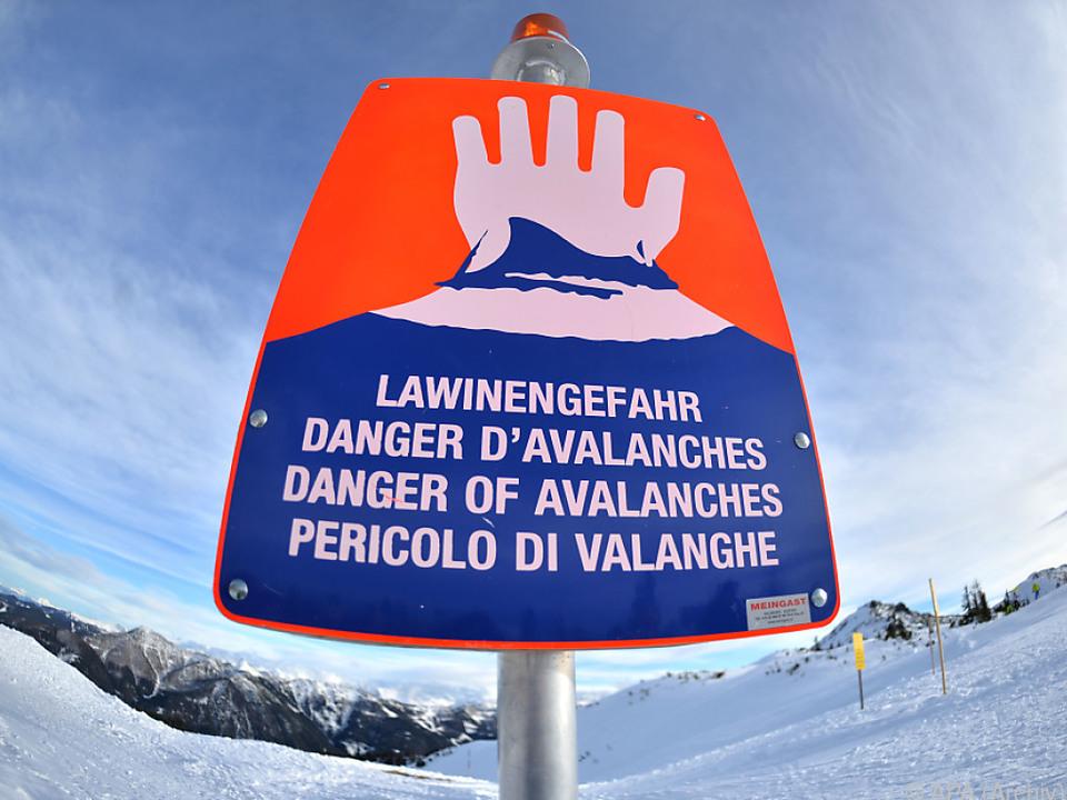 Lawinenabgang im freien Skiraum