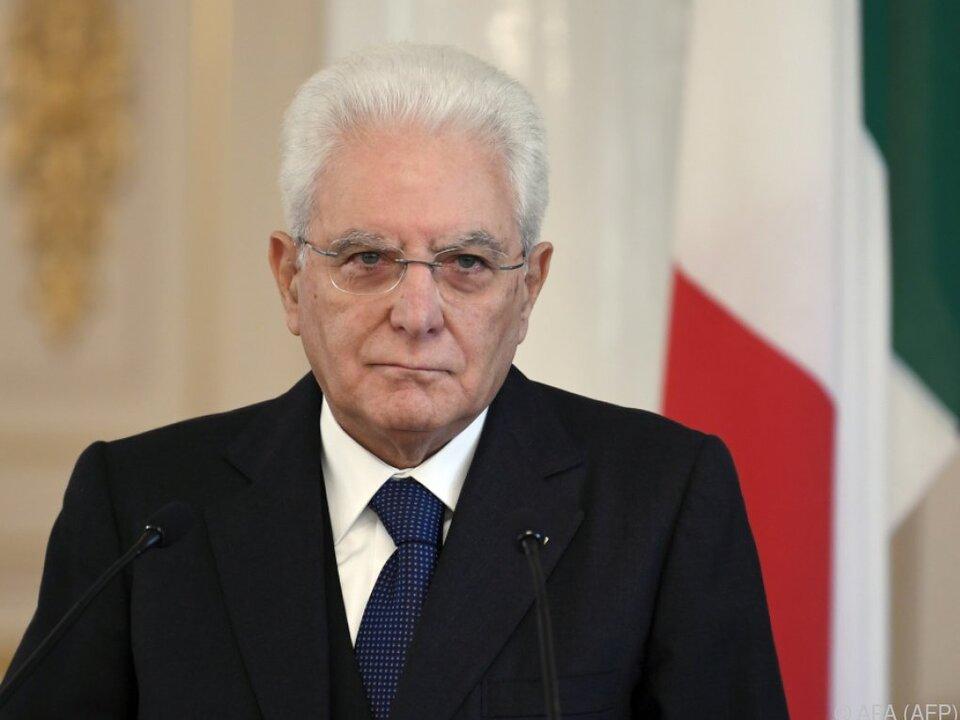 Präsident Mattarella löst Parlament auf