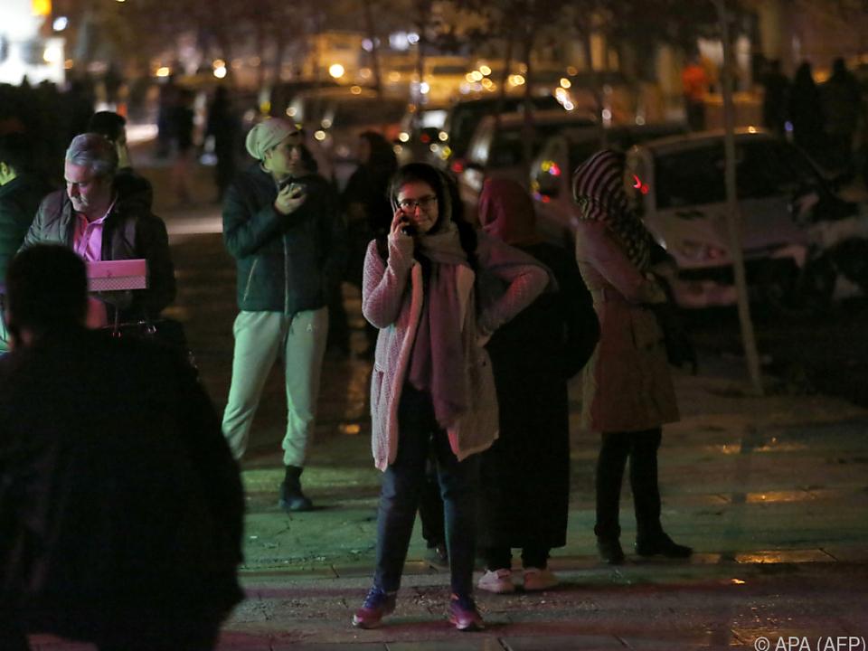 Menschen drängten auf die Straßen