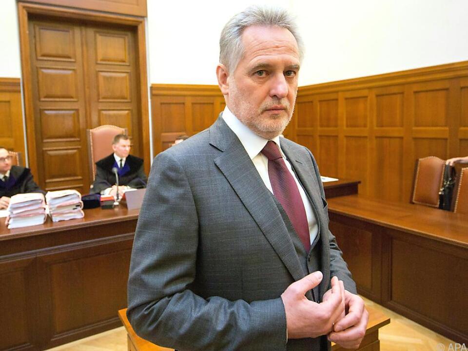 Oligarch Dmitri Firtasch kann vorerst aufatmen