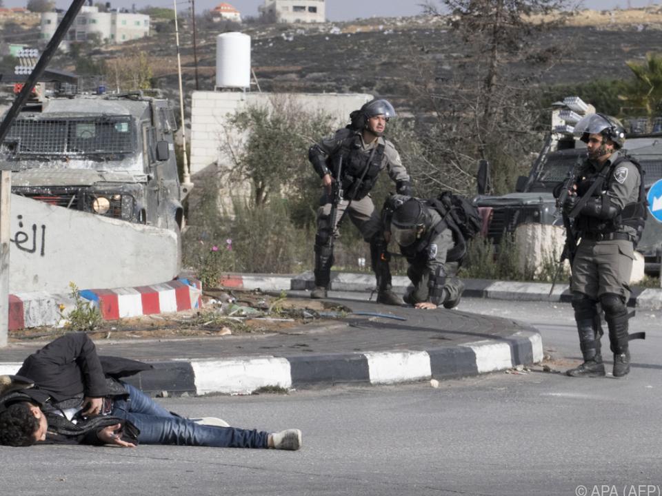 Palästinenser wurde nach Messerangriff auf Soldaten angeschossen