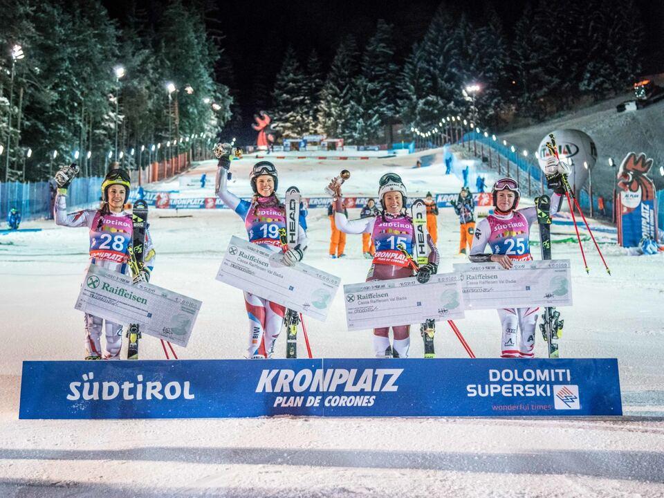 podium-ladies-2017-dennisdemartin_20171216_fis_europeancup-804_72dpi