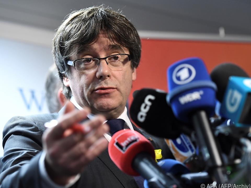 Puigdemont geht auf Rajoy zu