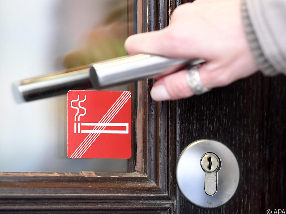 Raucheranteil unter Lokalgästen höher als in der Gesamtbevölkerung rauchverbot zigarette