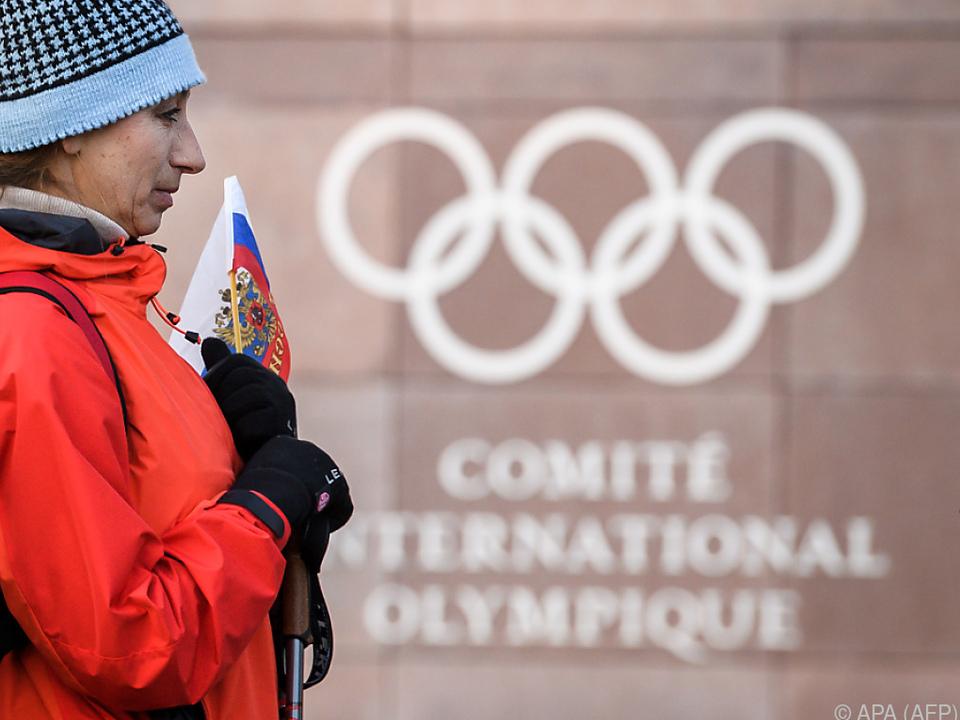 Russlands Athleten starten unter der olympischer Flagge