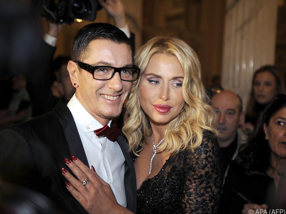 Stefano Gabbana mit Model Valeria Marini