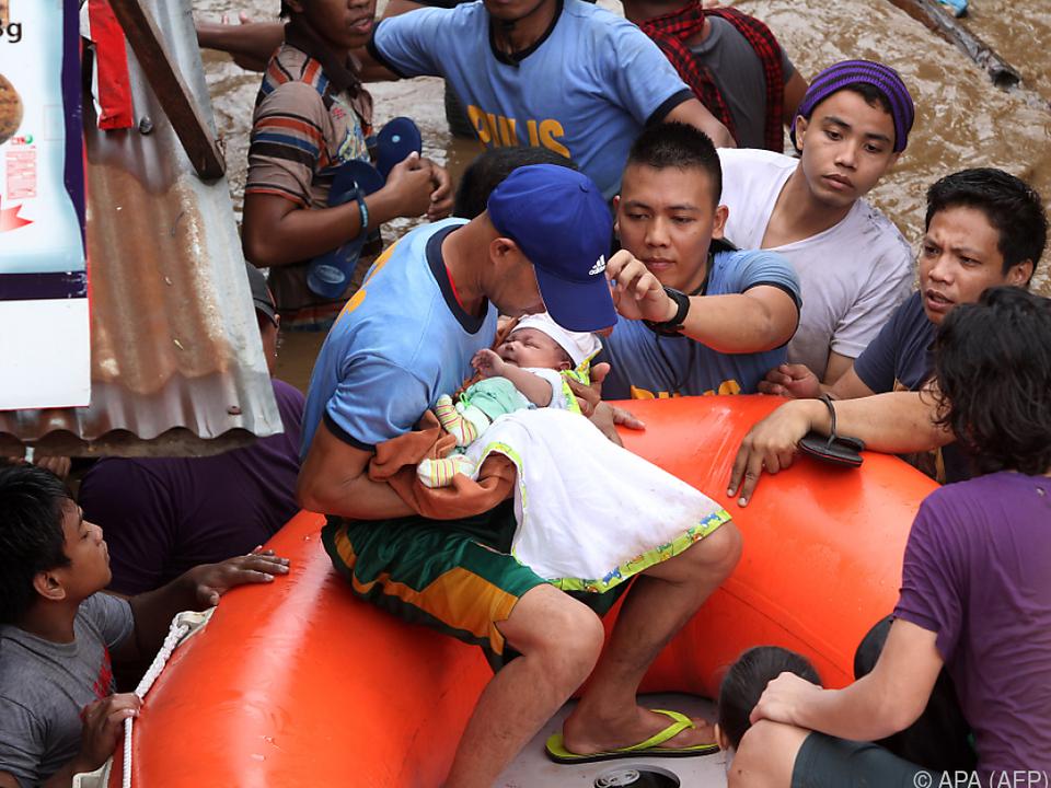 Tausende Menschen mussten evakuiert werden