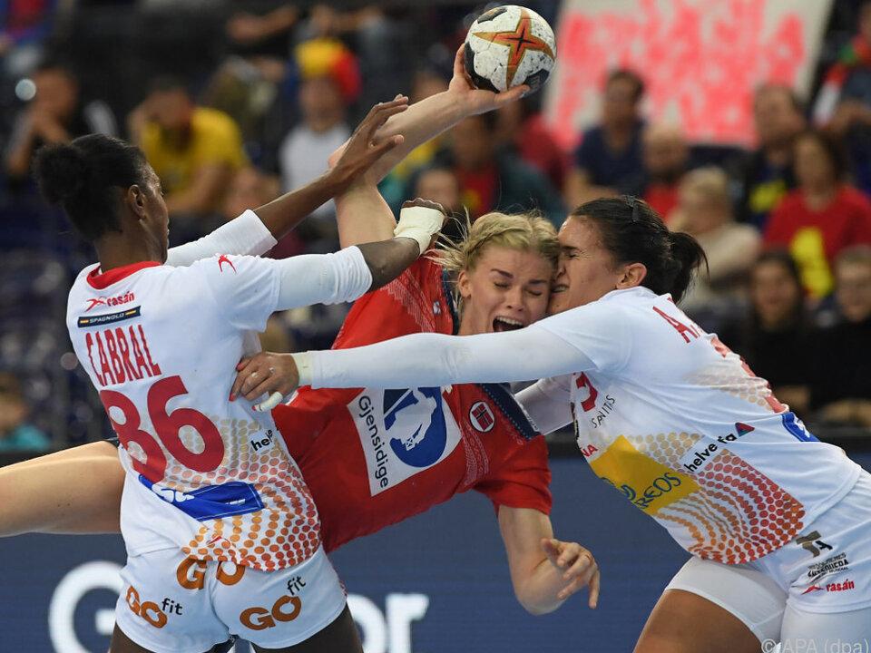 Titelverteidiger Norwegen setzte sich gegen Spanien durch