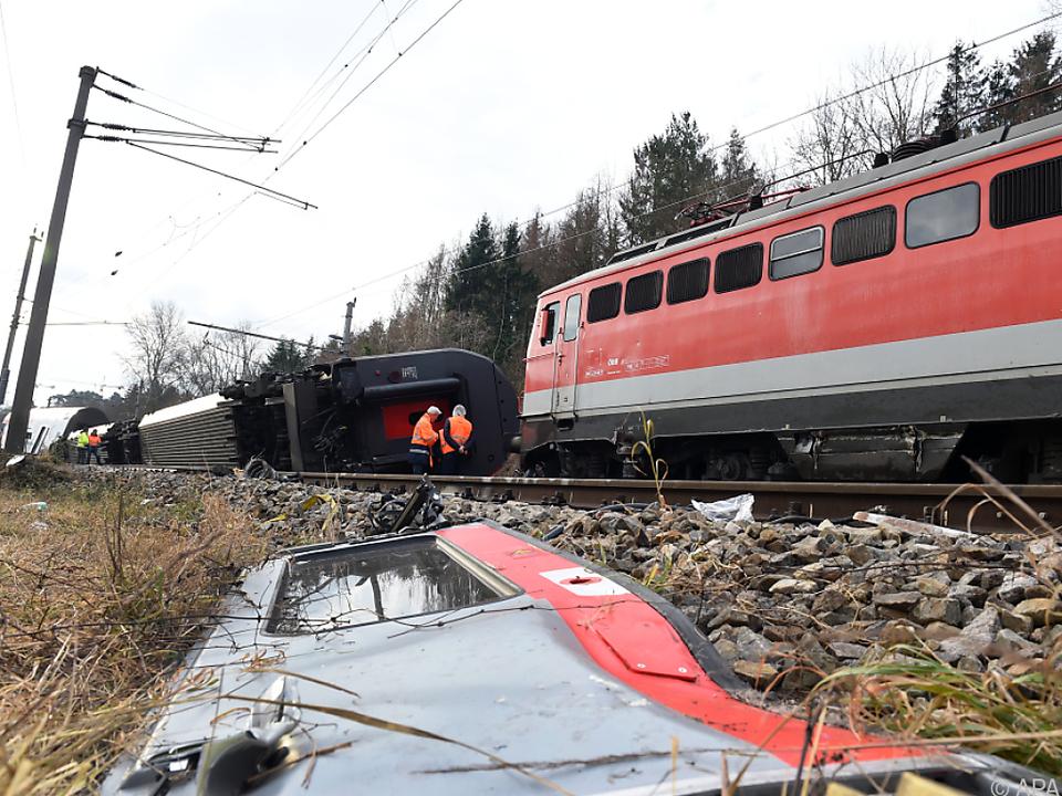 Zwei Züge stießen am Freitag zusammen