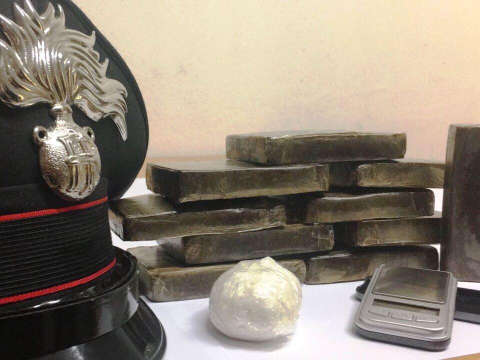 Haschisch Drogen Carabinieri 20180112-lo-stupefacente-sequestrato-dai-carabinieri-di-ortisei