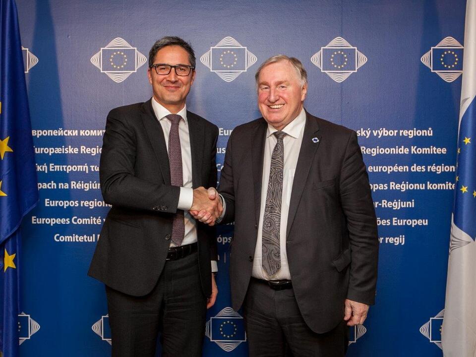 978315_img_1292LH Kompatscher mit dem AdR-Präsidenten Lambertz heute in Brüssel - Foto: