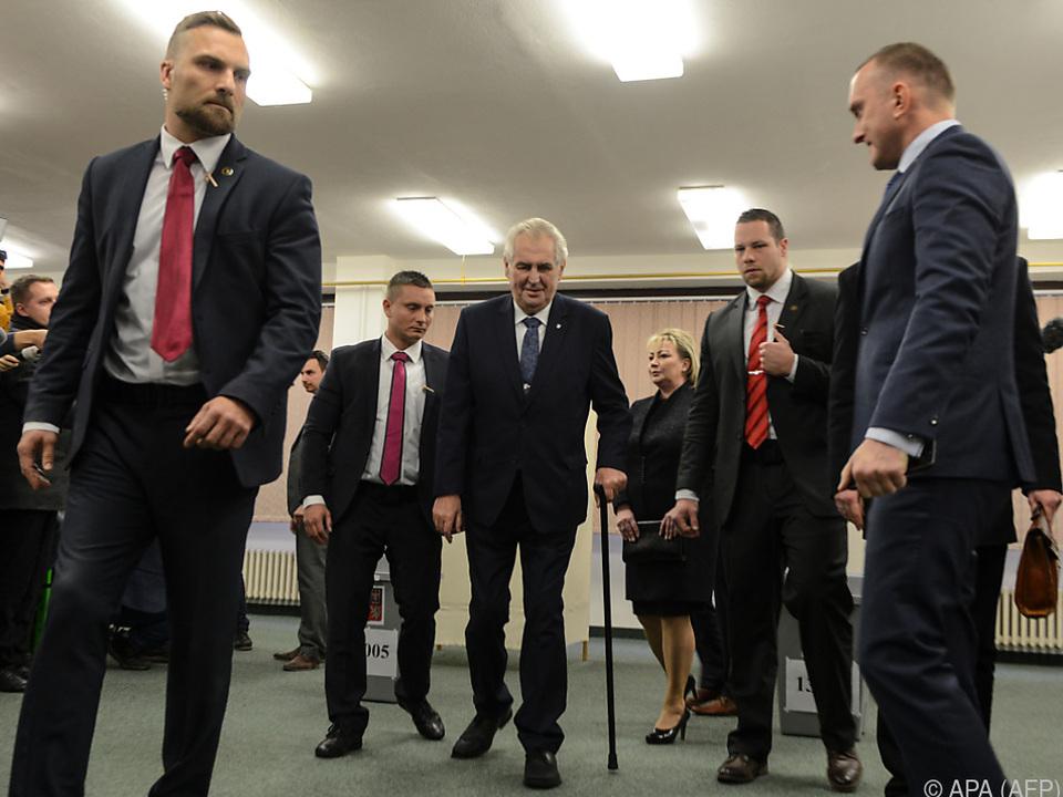 Amtsinhaber Milos Zeman muss noch zittern