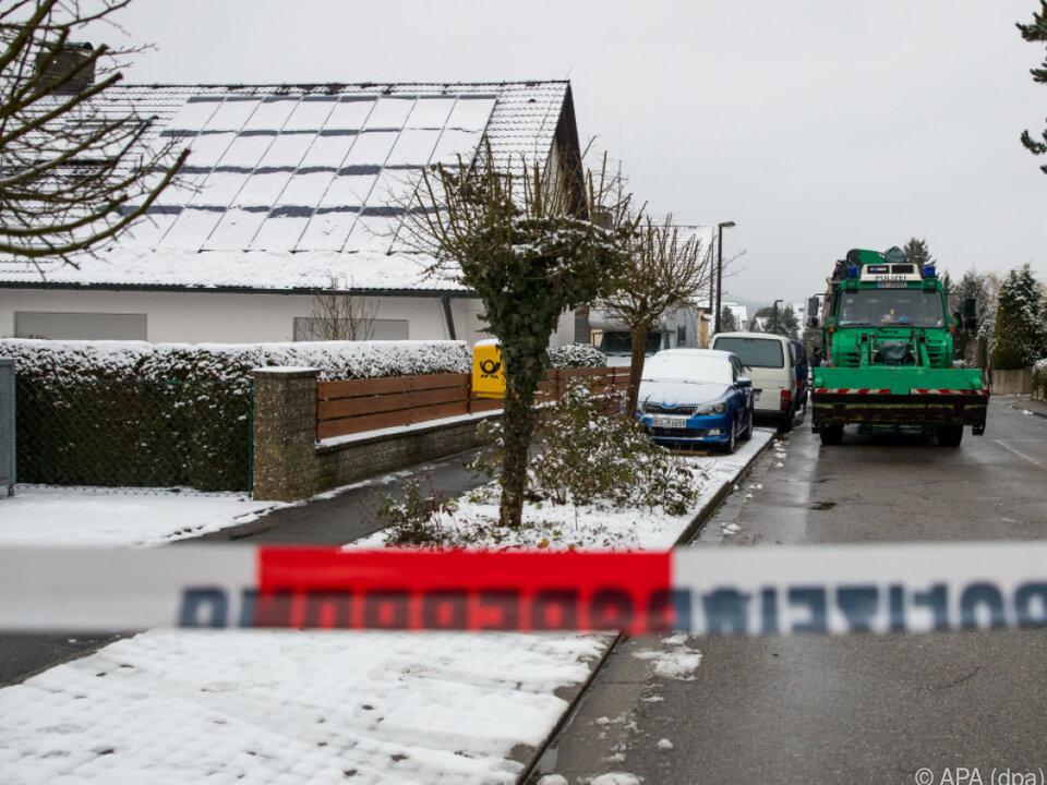 Auf dem Grundstück wurden zwei Leichen gefunden
