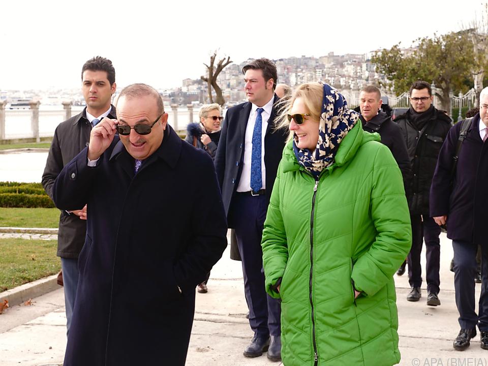 Cavusoglu verkündete den Schritt bei Treffen mit Kneissl