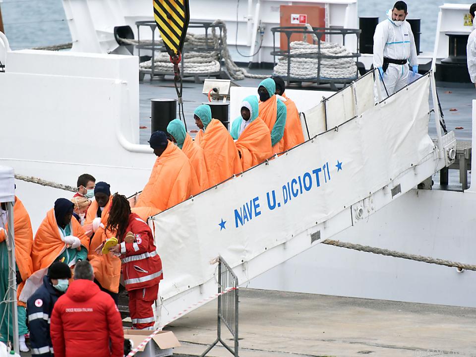 Tote und Vermisste bei Flüchtlingsdrama im Mittelmeer
