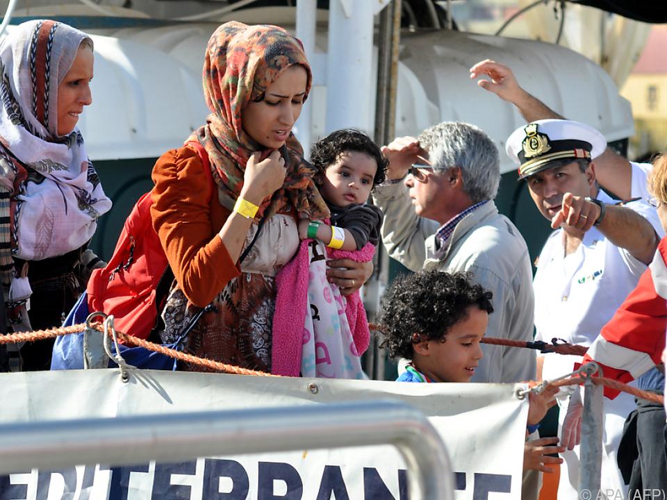 Derzeit versorgt Italien rund 18.500 Minderjährige